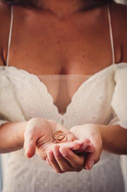 21-anelli-nuziali-mani-sposa.jpg