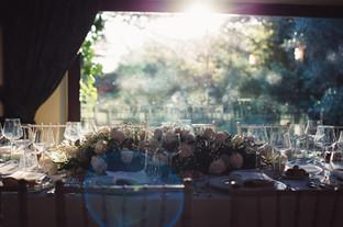 44-addobbi-matrimonio-tavolo-rose.jpg