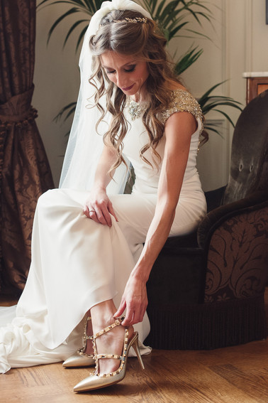 044-allacciare-scarpe-sposa-valentino-se