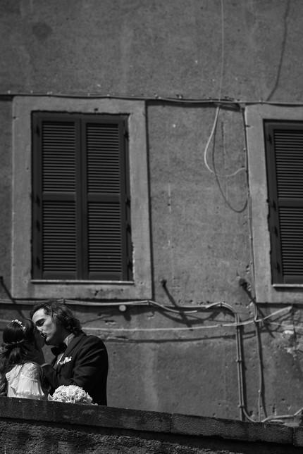 049-muretto-bacio-finestra-cordicella-bi