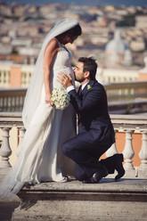34-panchina-sposo-ginocchio-bacio.jpg