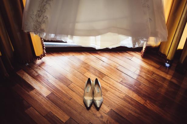 01-scarpe-vestito-sposa.jpg