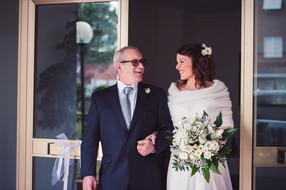36-uscita-sposa-padre-sorrisi.jpg