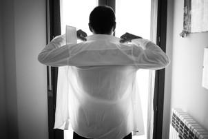 02-camicia-sposo-preparazione-reportage.