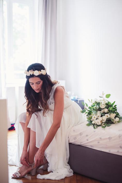 045-scarpe-sposa-bouquet-riflessione.jpg