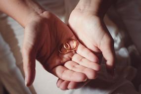anlli-fedi-sposa-matrimonio.jpg