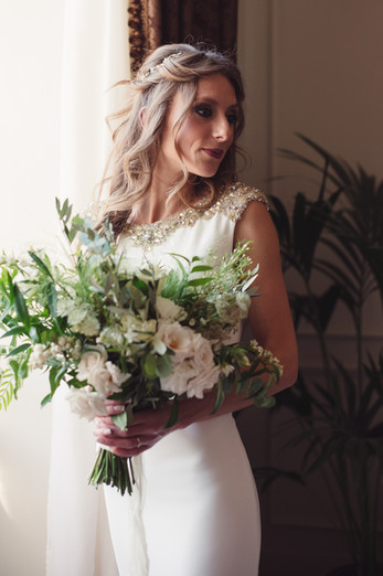 042-bouquet-sposa-finestra-pensierosa-ab