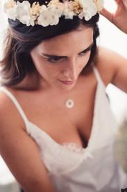 007-sposa-cerchietto-ciondolo-sguardo.jp
