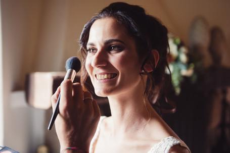 025-trucco-sposa-sorridente-allegra.jpg