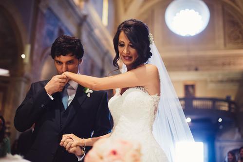 49-bacio-mano-sposa.jpg