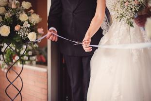 27-taglio-nastro-papa-matrimonio.jpg