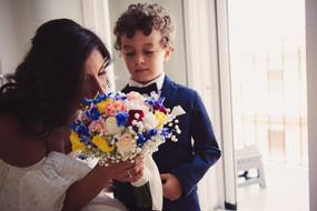 17-paggetto-sposa-bouquet-zia.jpg