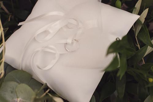 049-cuscino-anelli-matrimonio-bianco-fio