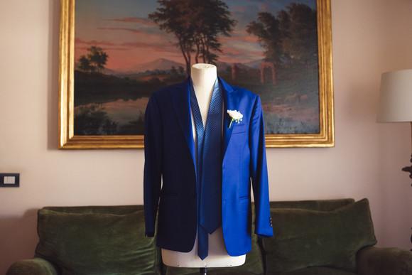 001-manichino-giacca-pochette-cravatta-q