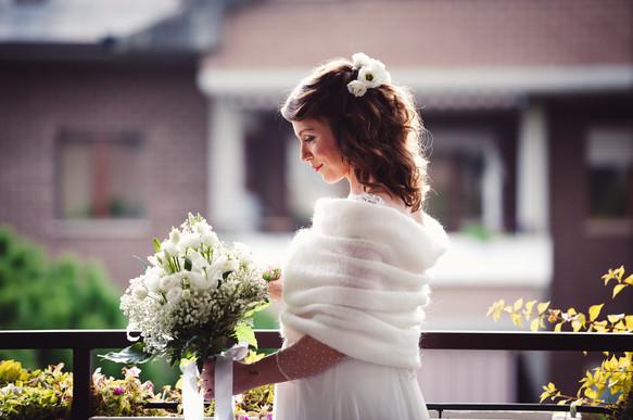 34-sposa-ritratto-casa-bouquet.jpg