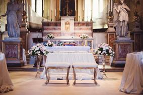 38-altare-allestimenti-chiesa.jpg