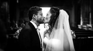 44-bacio-sposi-chiesa.jpg