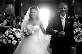 37-sposa-arrivo-altare-papa.jpg