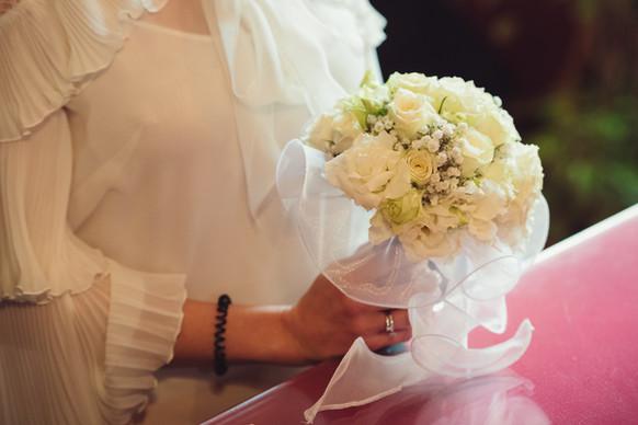 023-mani-braccialetto-bouquet-fiori.JPG