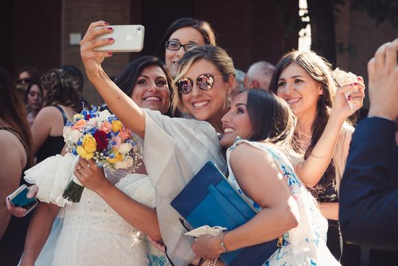 45-selfie-sposa-amiche.jpg