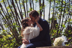 041-piante-bacio-sposi-abbracciati.JPG