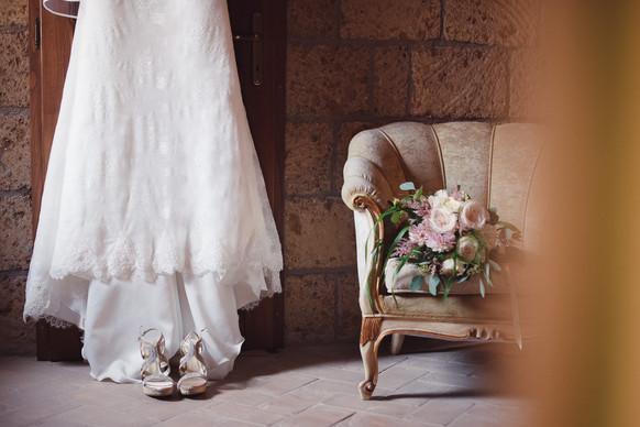 abito-sposa-bouquet-scarpe-matrimonio.jp