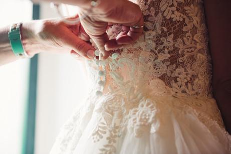 033-abbottonare-vestito-abito-sposa-rica