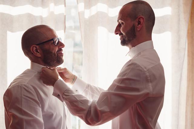 07-matrimonio-gay-barba-camicetta.jpg
