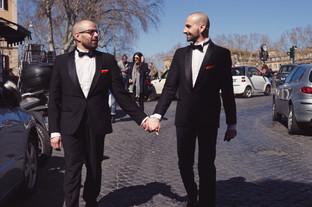 43-matrimonio-gay-sanpietrini-sposi-mano
