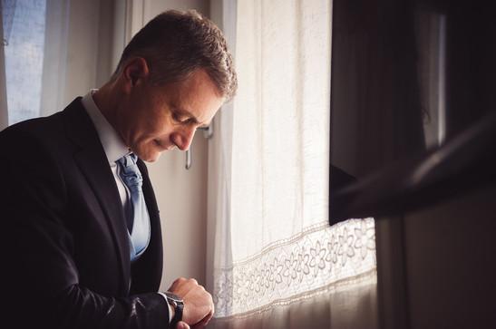 18-sposo-ritatto-finestra.jpg
