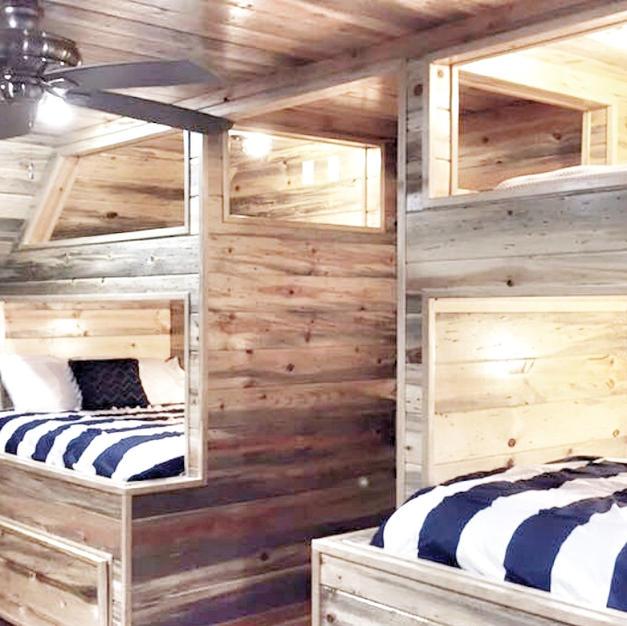 Bunk Room (Sleeps 10)