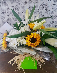 Box Bouquet - Yellow and White