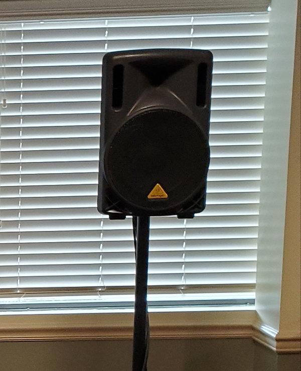 Extra Speaker & Tripod Set Up