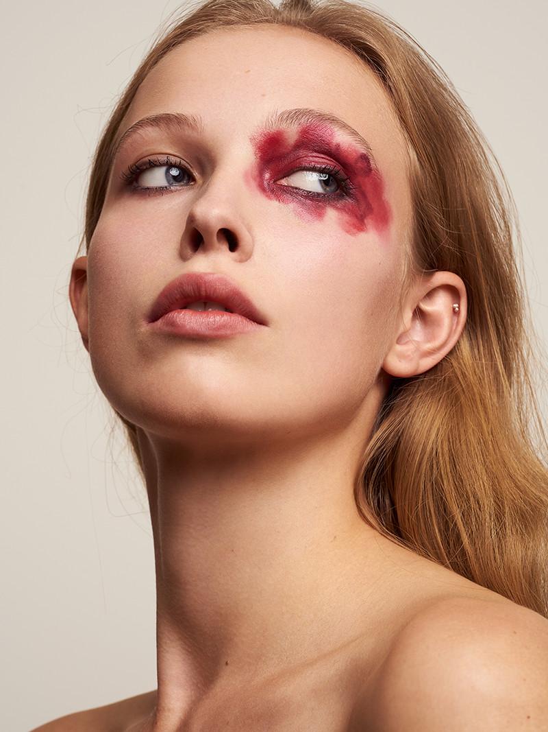 Beauty-product-portrait-photography-frankfurt-germany-portfolioshoot-yvonne-adore