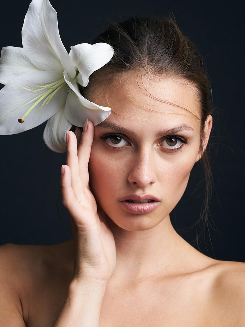 beauty-product-portrait-photography-frankfurt-germany-editorial