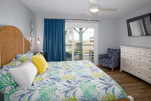 #7 Level 2 Luxury King Master Suite with Ocean Front Balcony