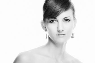 Black-and-white-female-portrait-03
