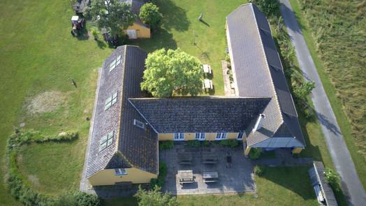 Blåkærgård set fra oven.