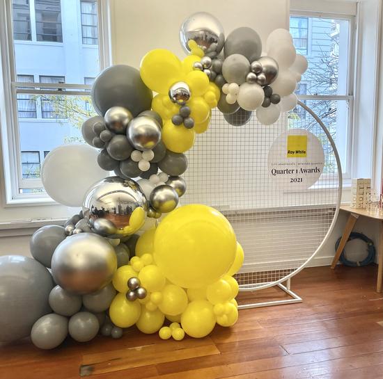 Corporateballoons.heic