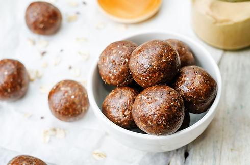 Raw-vegan-peanut-butter-oat-coconut-caca