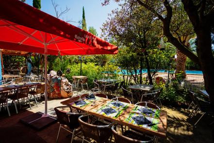 Restaurant et terrasse Domaine La Peiriere