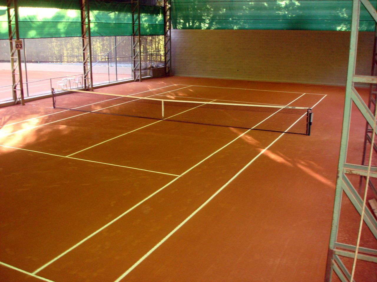 Quadra de Tênis em Saíbro