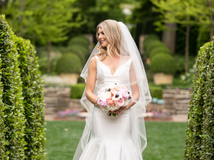 How to carry your wedding flowers