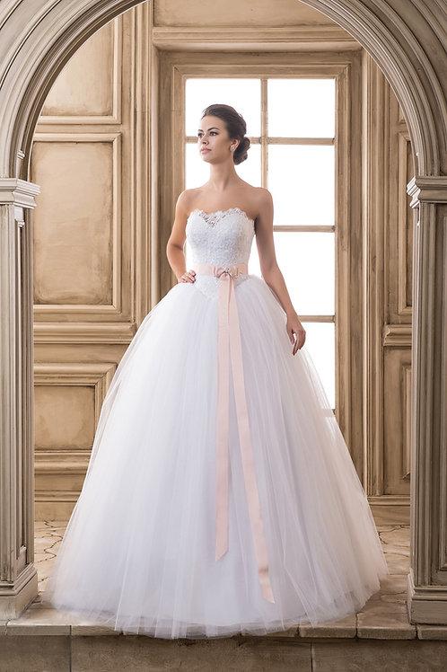 W911 - Zárt felsőrészű tüllös menyasszonyi ruha (fehér szalaggal elérhető!)
