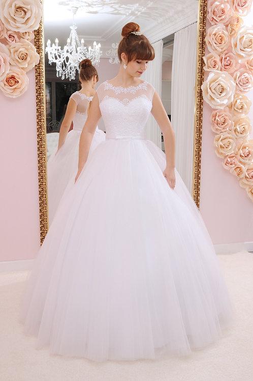 W930 - Báli ruha fazonú hercegnős menyasszonyi ruha lebegőcsipke felsőrésszel