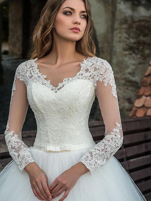 W806 - Tüllszoknyás esküvői ruha, masnis szalaggal a derekán (fehér színben!)
