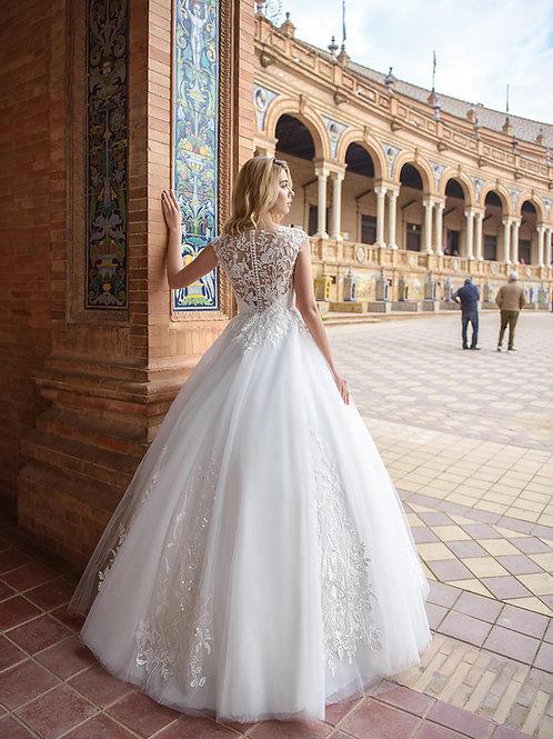 W016 - Szív dekoltázsú menyasszonyi ruha csupa csipke, gombsoros háttal