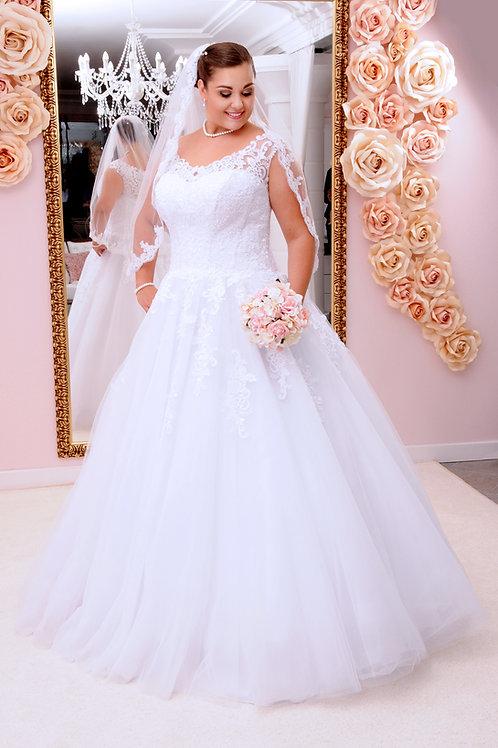 M707 - Hátul kivágott menyasszonyi ruha csipkézett felsőrésszel
