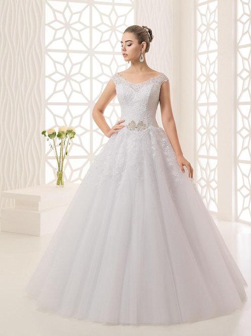 M702 -A-vonalú esküvői ruha csipkés vállpánttal, stassz brossal (fehér színben!)