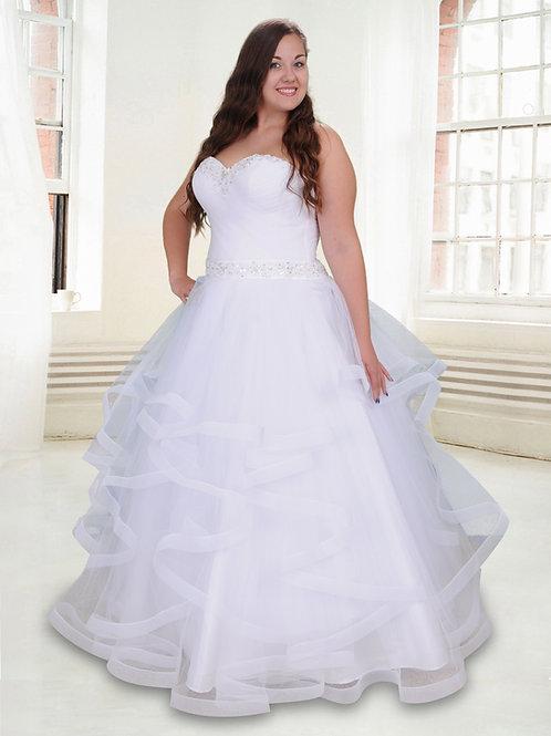 M604 - Vízfodros szoknyájú esküvői ruha szív alakú dekoltázzsal, díszes övvel
